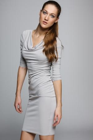 Bild graues Kleid