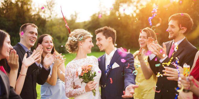 Was zieht man auf einer Hochzeit als Gast an?
