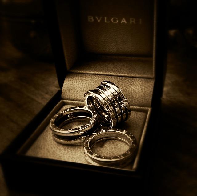 Modeschmuck vs Diamanten
